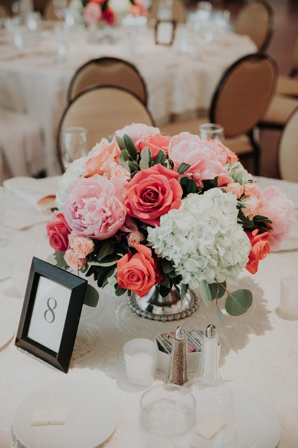 short coral wedding table centerpiece - Kelli Wilke Photography