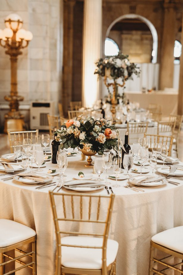 Chic elegant wedding tablescape - Mann and Wife Photography