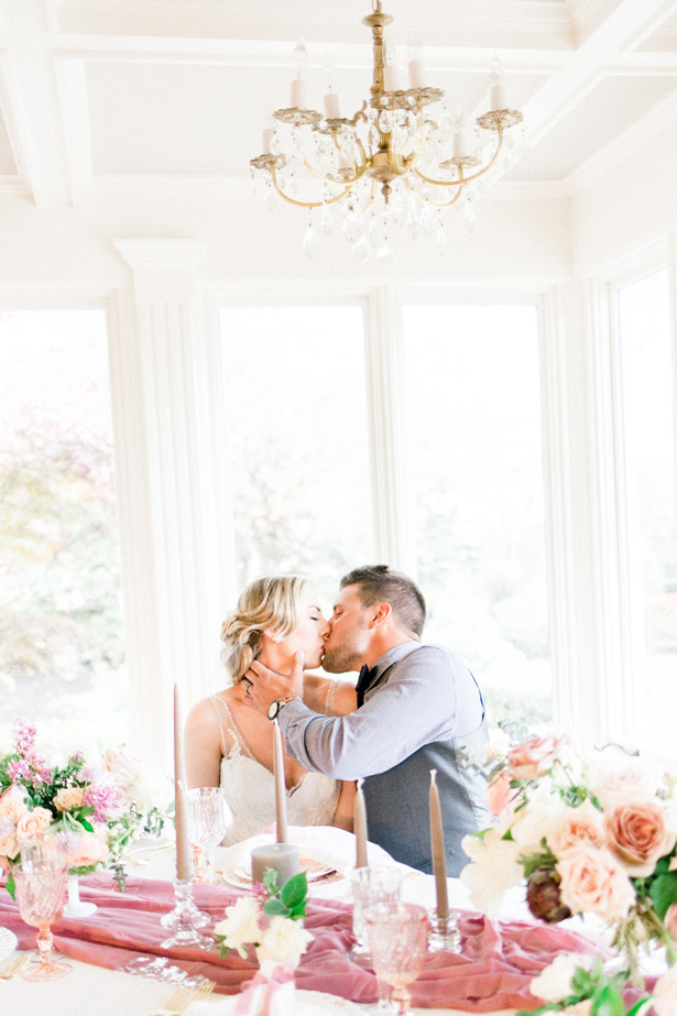 Romantic wedding photo - Mallory McClure Photography - Mallory McClure Photography