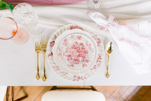Wedding place setting - Mallory McClure Photography