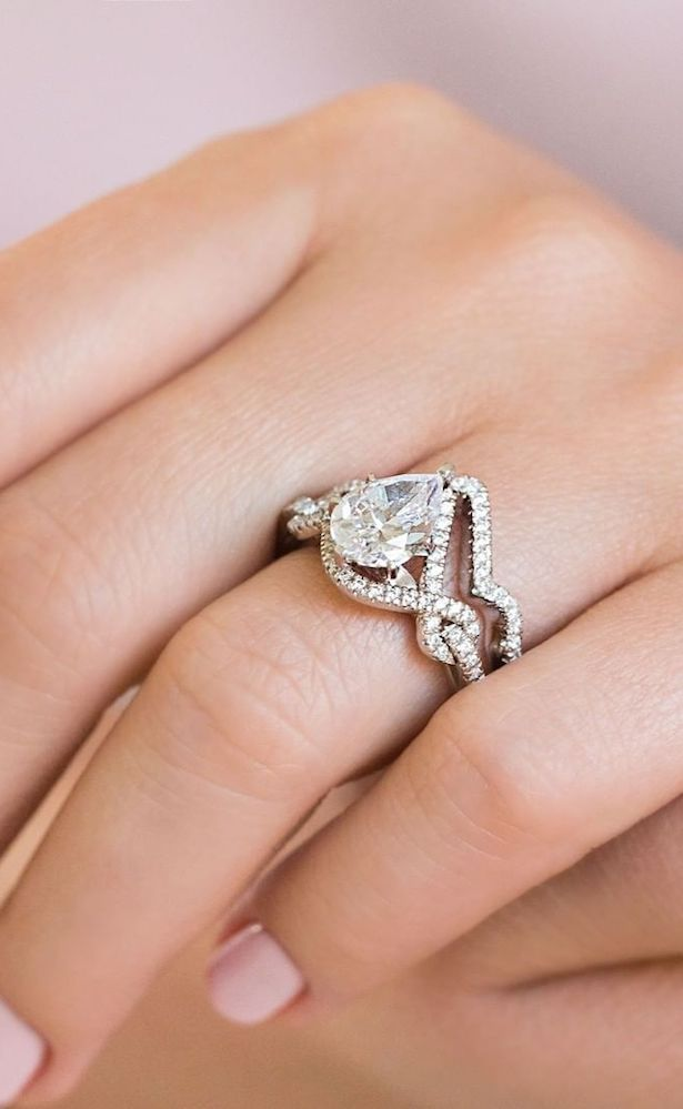 MiaDonna Ethical Engagement Rings with Lab-grown diamonds