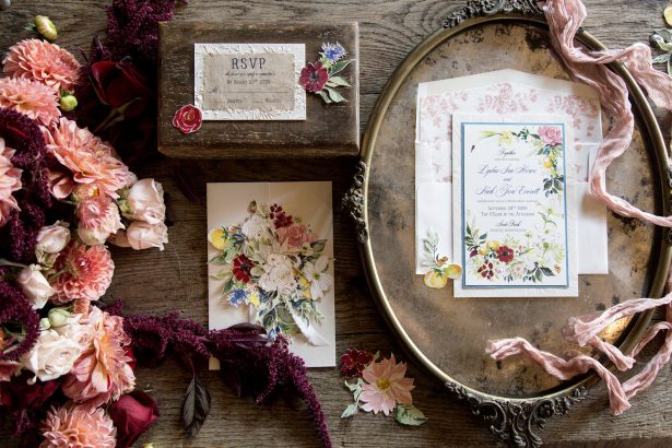 Vintage wedding invitations - Photography: Szu Designs, Inc