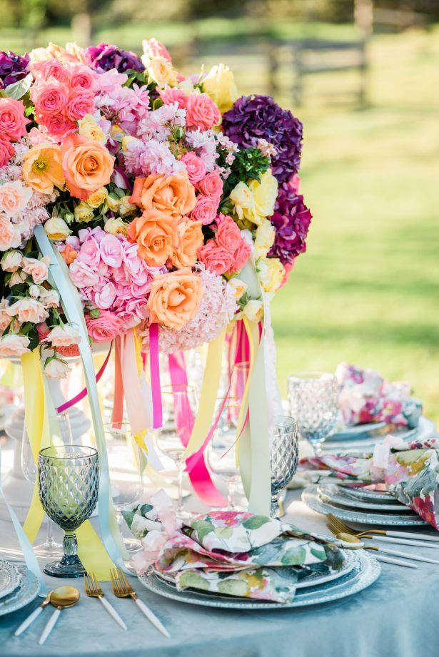 Bright and Colorful Wedding Centerpiece - Photography: Michelle Lynn Weddings