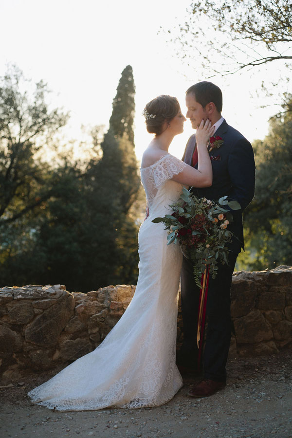 Gold and Burgundy Wedding Details for an Elegant Elopement in Tuscany - Purewhite Photography