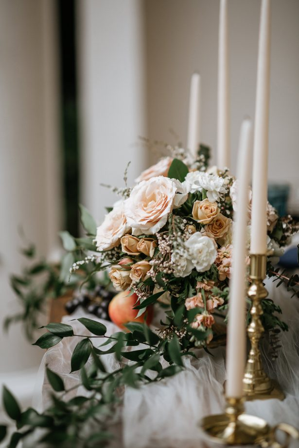 Low wedding centerpiece - Amanda Meg Photography