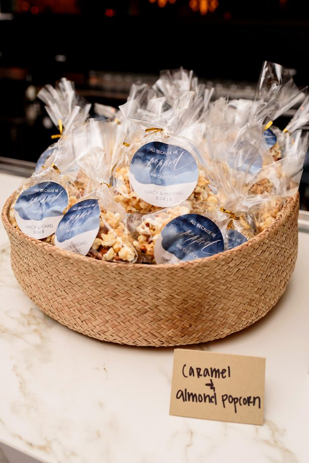 Popcorn wedding favors - Jenny DeMarco Photography