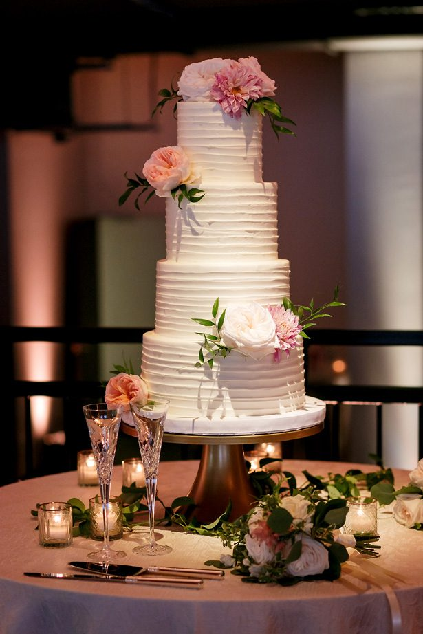 Wedding cake - Jenny DeMarco Photography