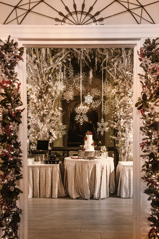 Elegant Winter Wedding Decor With Holiday-Inspired Details - Urban Row Photography