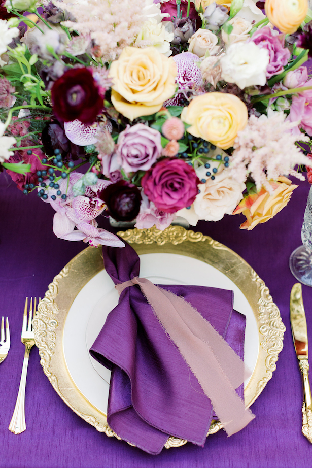 Purple and gold place setting - Photography: Moose Studio