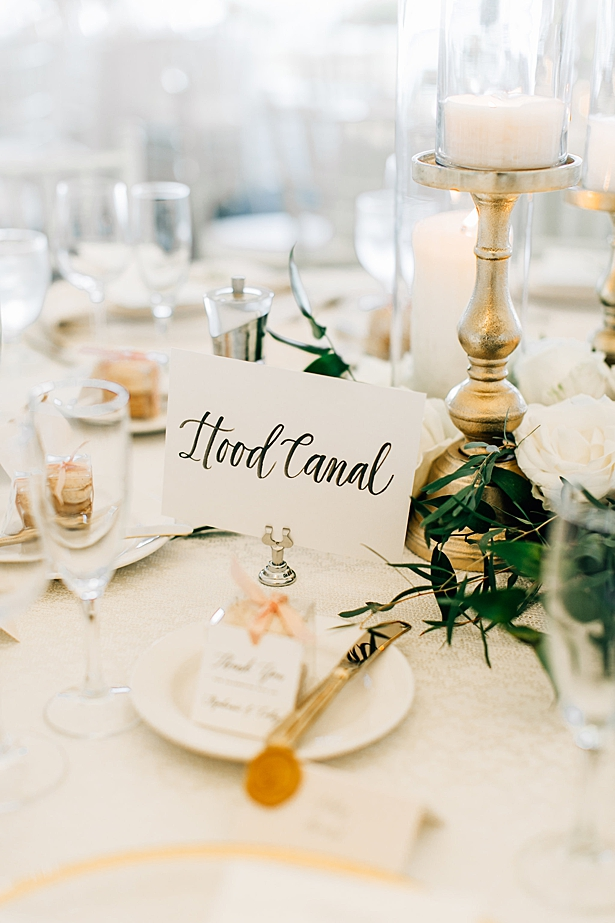 Seattle inspired table numbers and gold reception place setting - Jenna Bacholt Photography