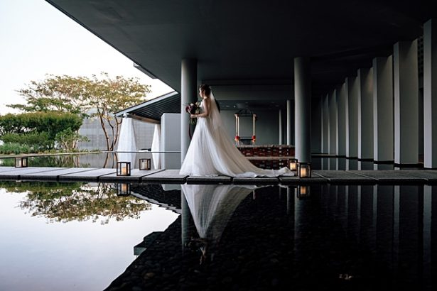Bride and dad walking down the aisle - Madiow Photography
