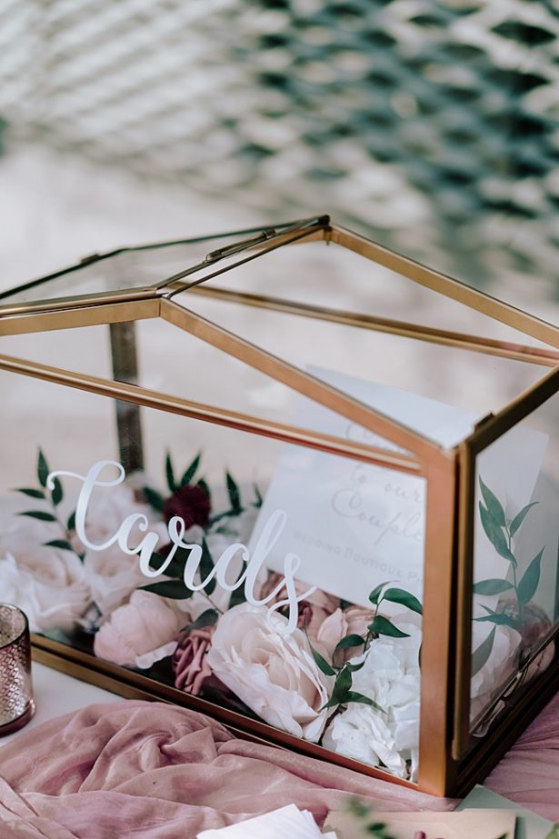 Glass wedding card box with calligraphy - Madiow Photography