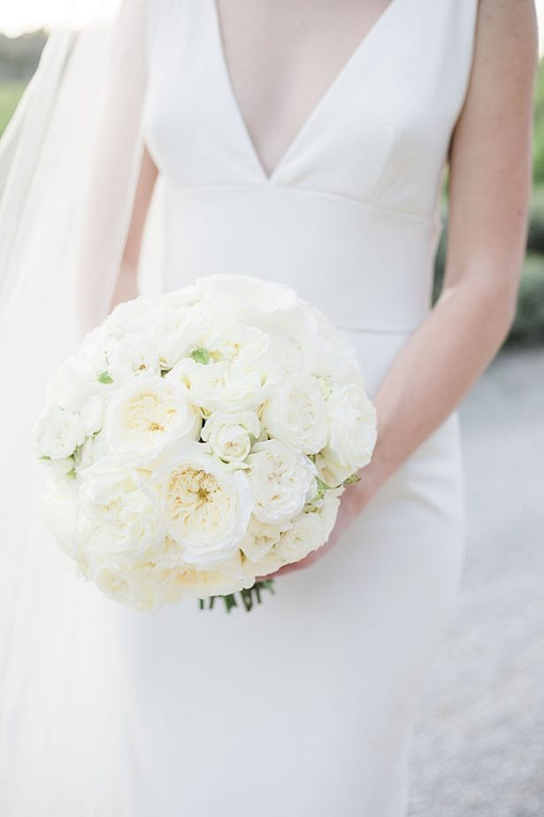 Natural and elegant all white wedding bouquet- Purewhite Photography