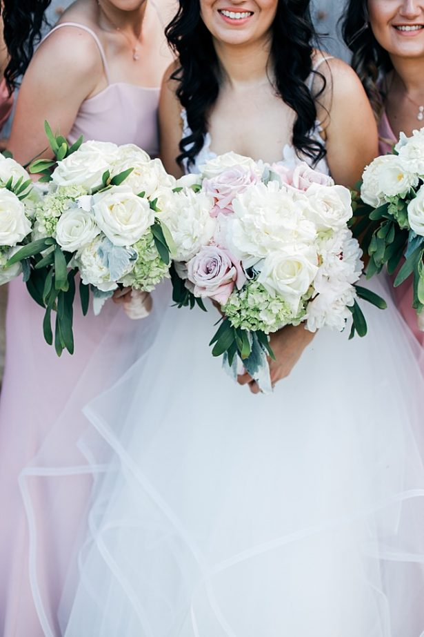 PInk and white Country Club Wedding with white and blush wedding bouquets - Bluespark Photography