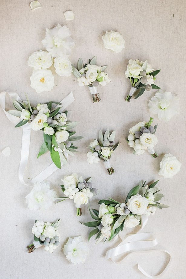 Simple white and green wedding boutonnieres- Purewhite Photography