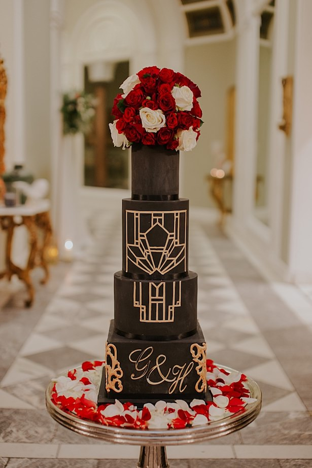 Black an gold wedding cake - Jamie Sia Photography
