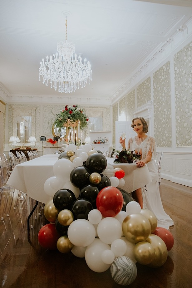 The Great Gatsby Wedding tablescape with balloon garland - Jamie Sia Photography