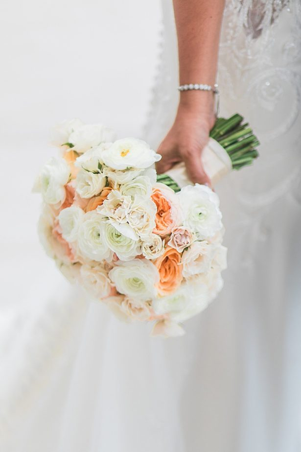 Cabo Destination Wedding peach wedding bouquet - Photography: JBJ Pictures