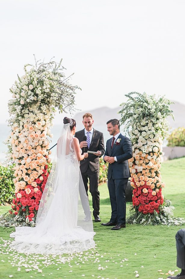 Romantic cabo wedding by the ocean at sunset - Photography: JBJ Pictures