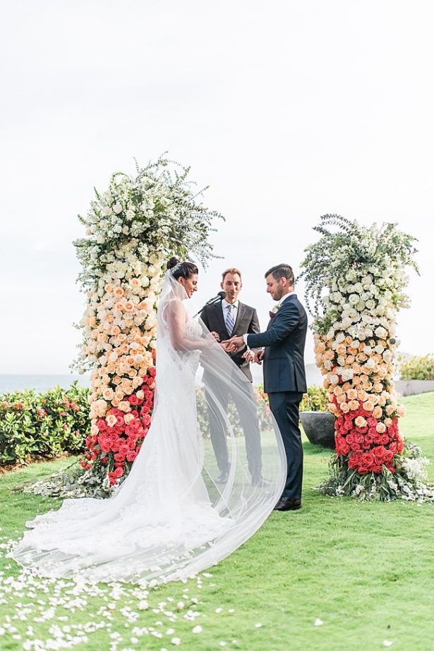 Romantic shot of bride and groom during cabo wedding ceremony - Photography: JBJ Pictures