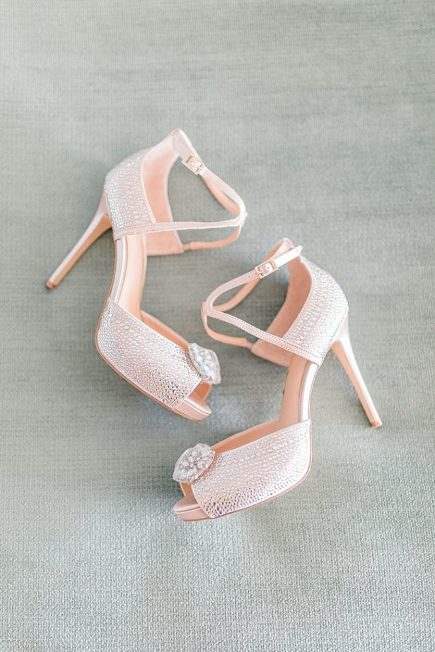 Tall wedding heels with sparkle - Photography: JBJ Pictures