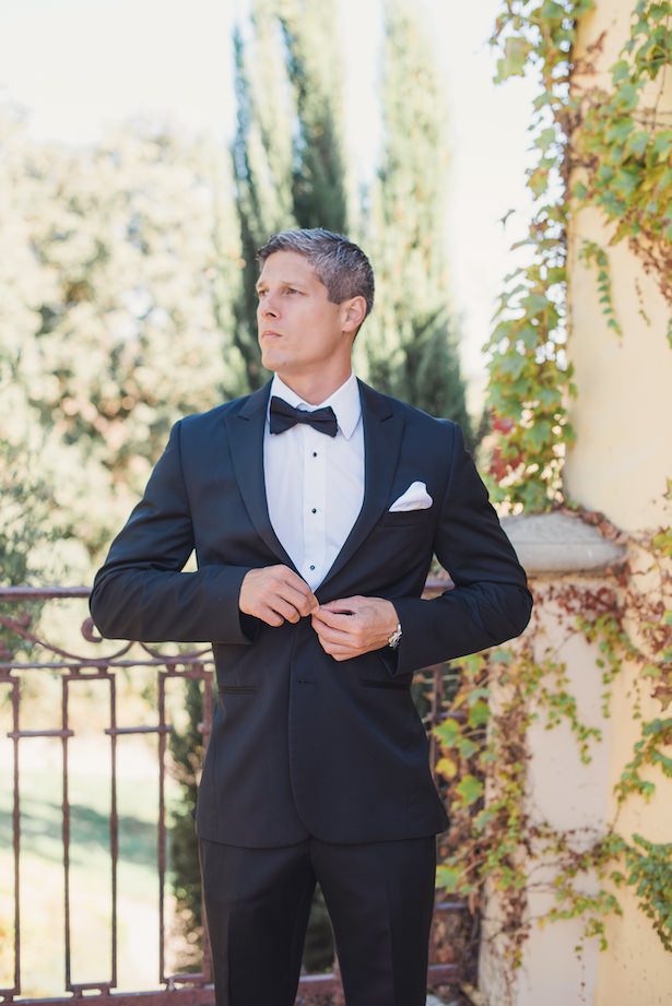 Groom with black tux - Sun and Sparrow Photography