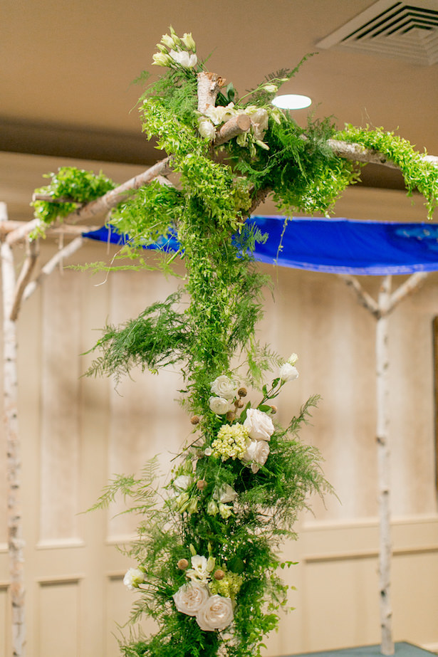 Wedding chuppa decorated with greenery - ARTE DE VIE Photography