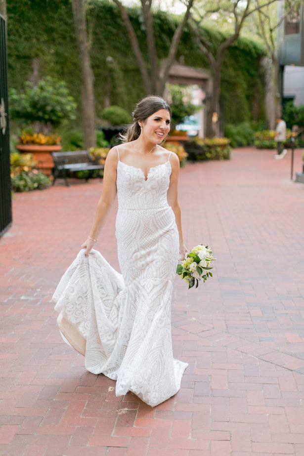sophisticated Bride with mermaid lace wedding dress - ARTE DE VIE Photography