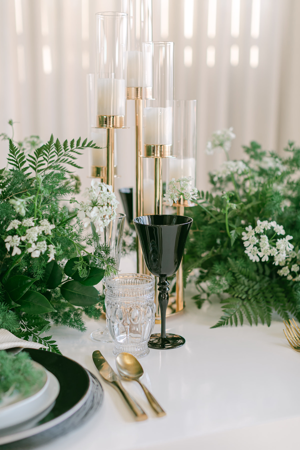 Contemporary black and white wedding table decor - Lily Tapia Photography