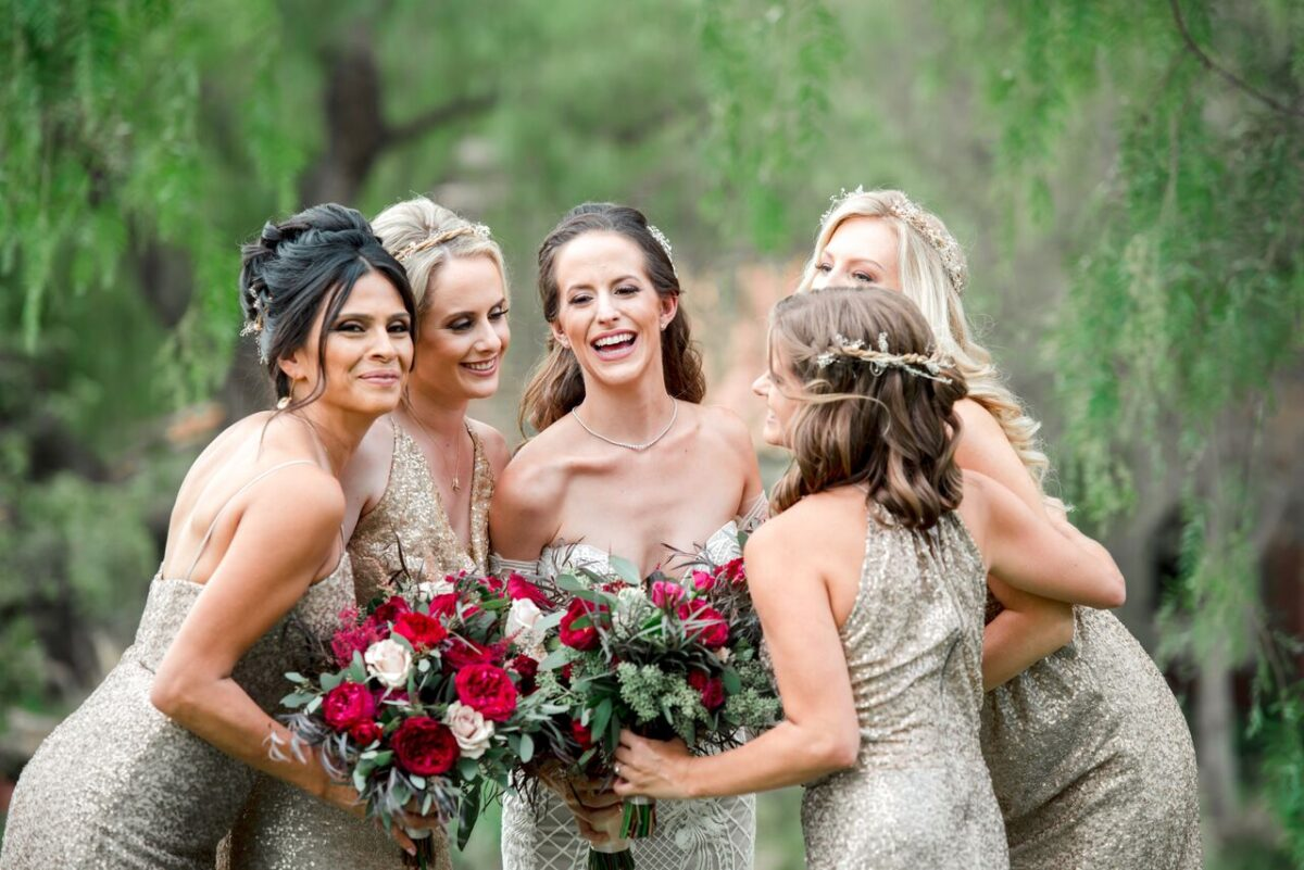 Gold sequins Bridesmaid dresses - Photography: Dmitry Shumanev
