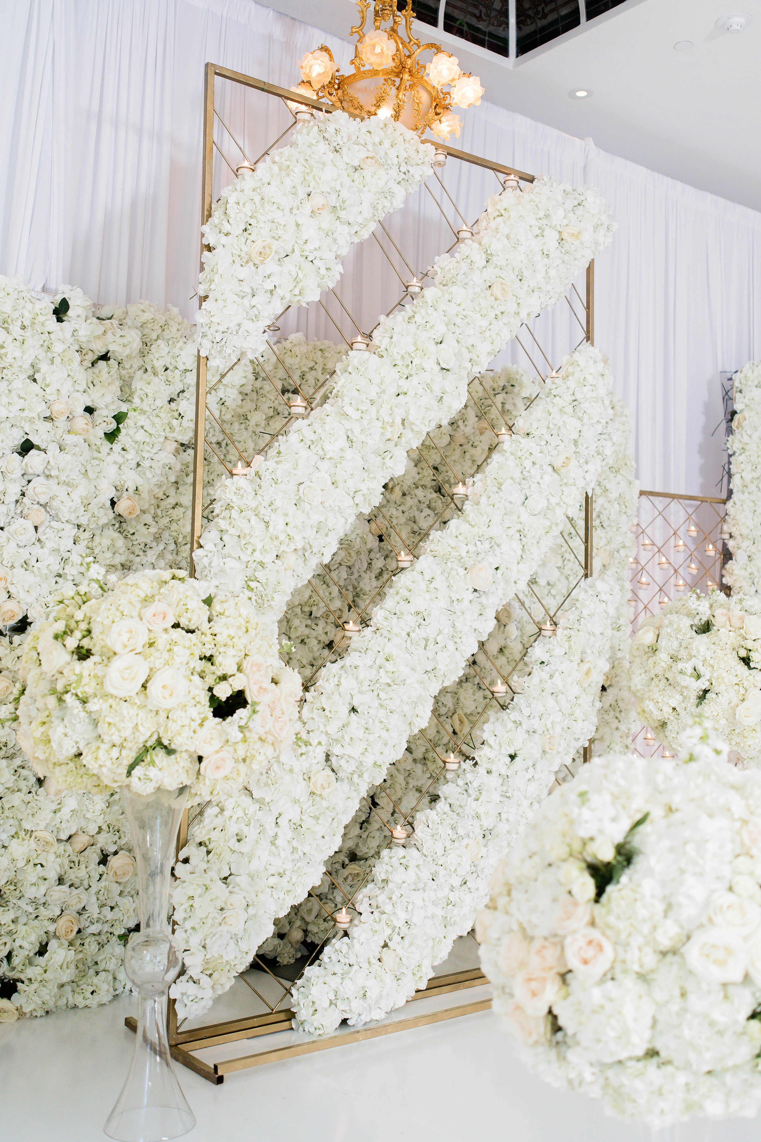 Luxury floral wall for white wedding ceremony - Photography: Pharris Photos