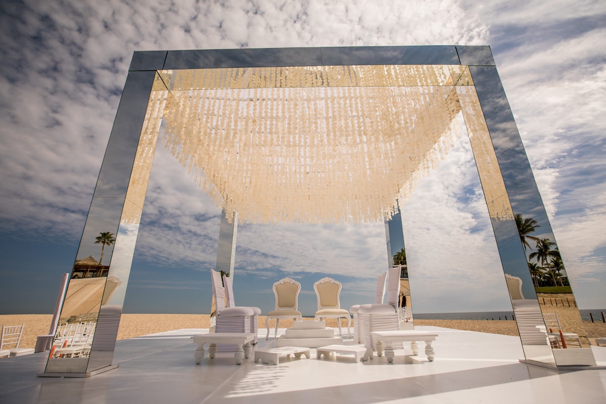 Beach wedding ceremony - Nadia D Photo