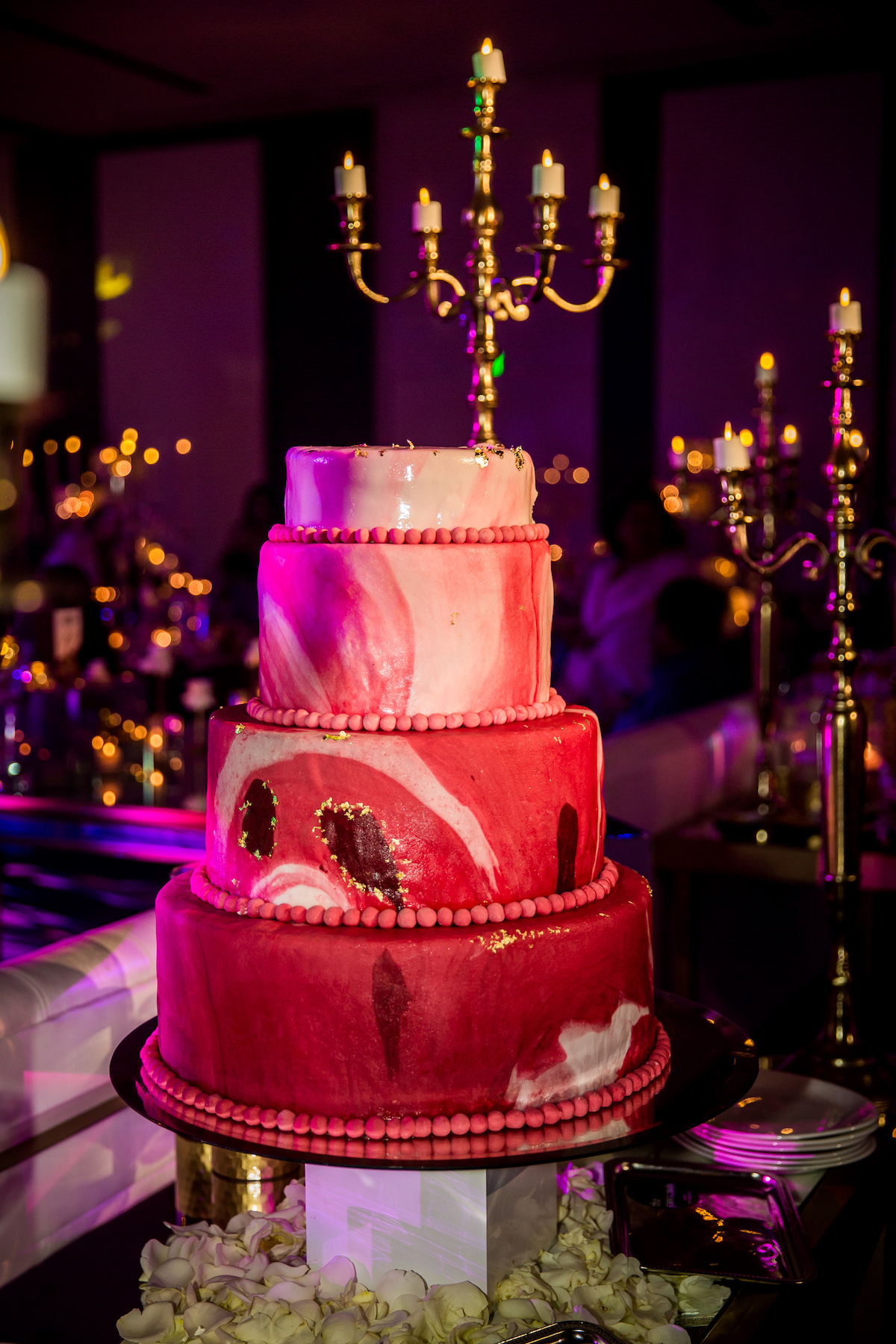 Red marble wedding cake - Nadia D Photo