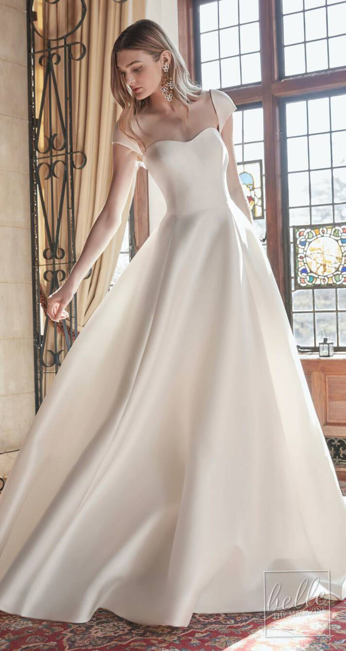 Wedding dress trends 2021 - Minimalist gown - Sareh Nouri Spring 2022 the enchantment collection