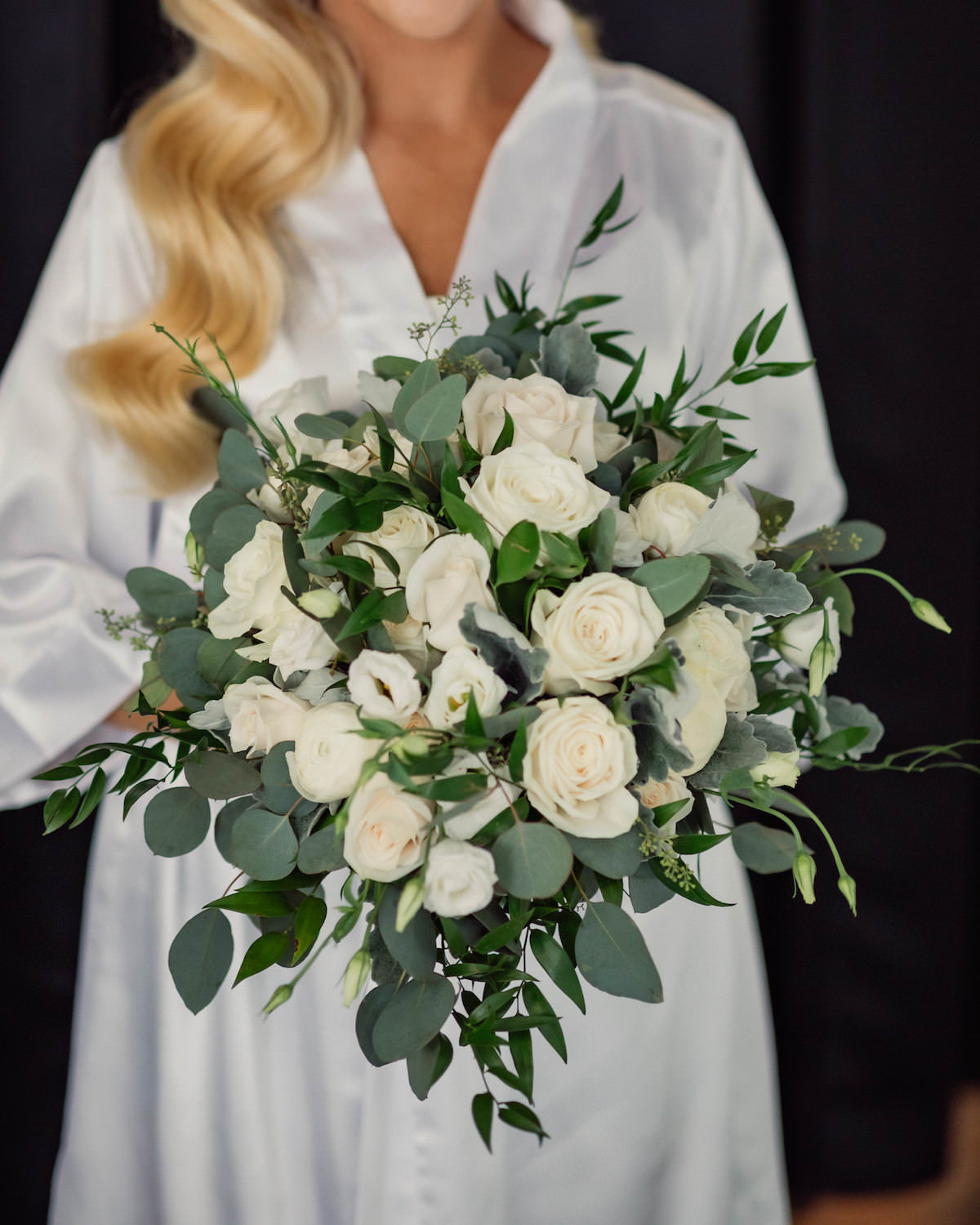 Wedding bouquet with white flowers and greenery - Photography: Charming Images