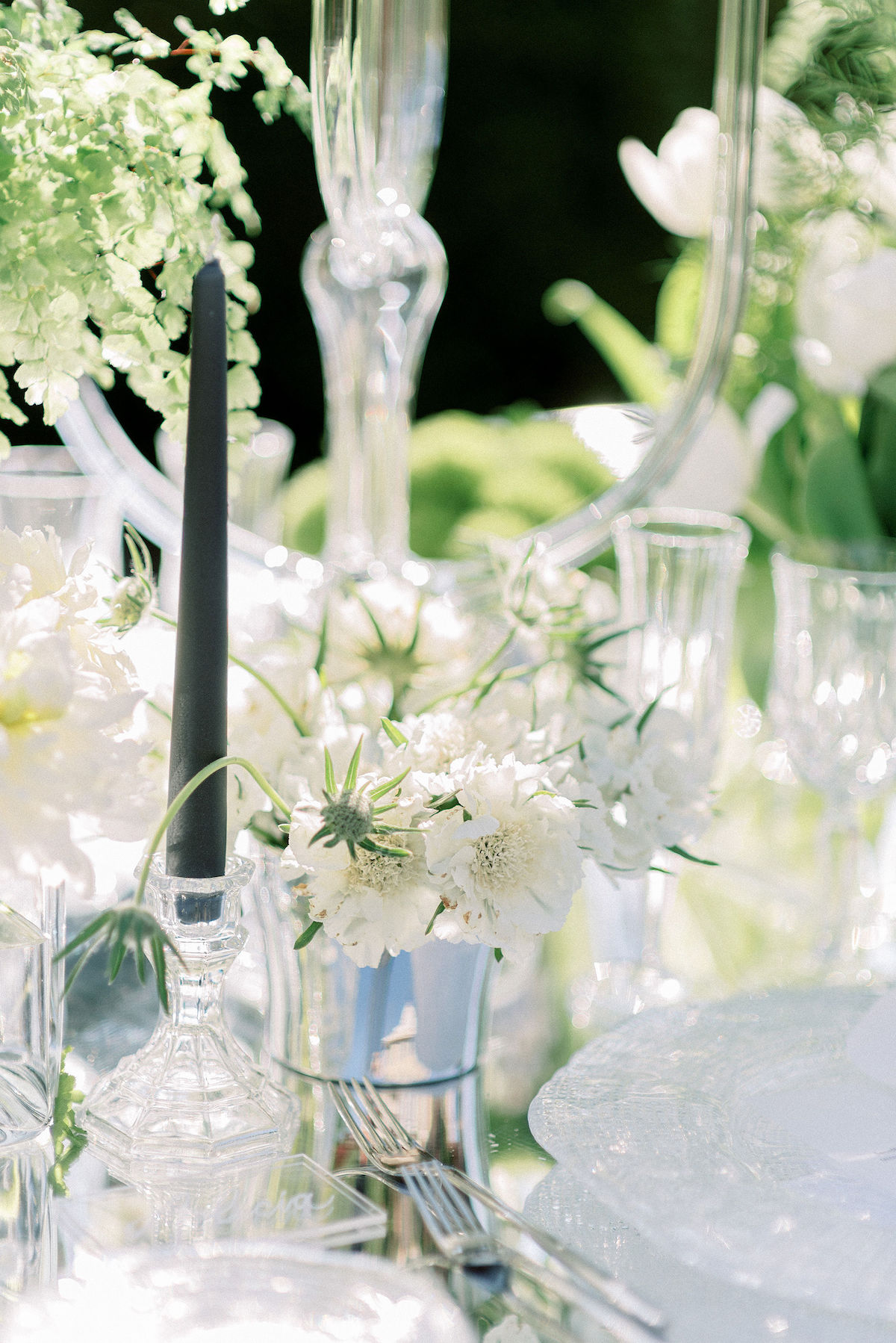 Luxury wedding table decor with mirror and crystal details 4