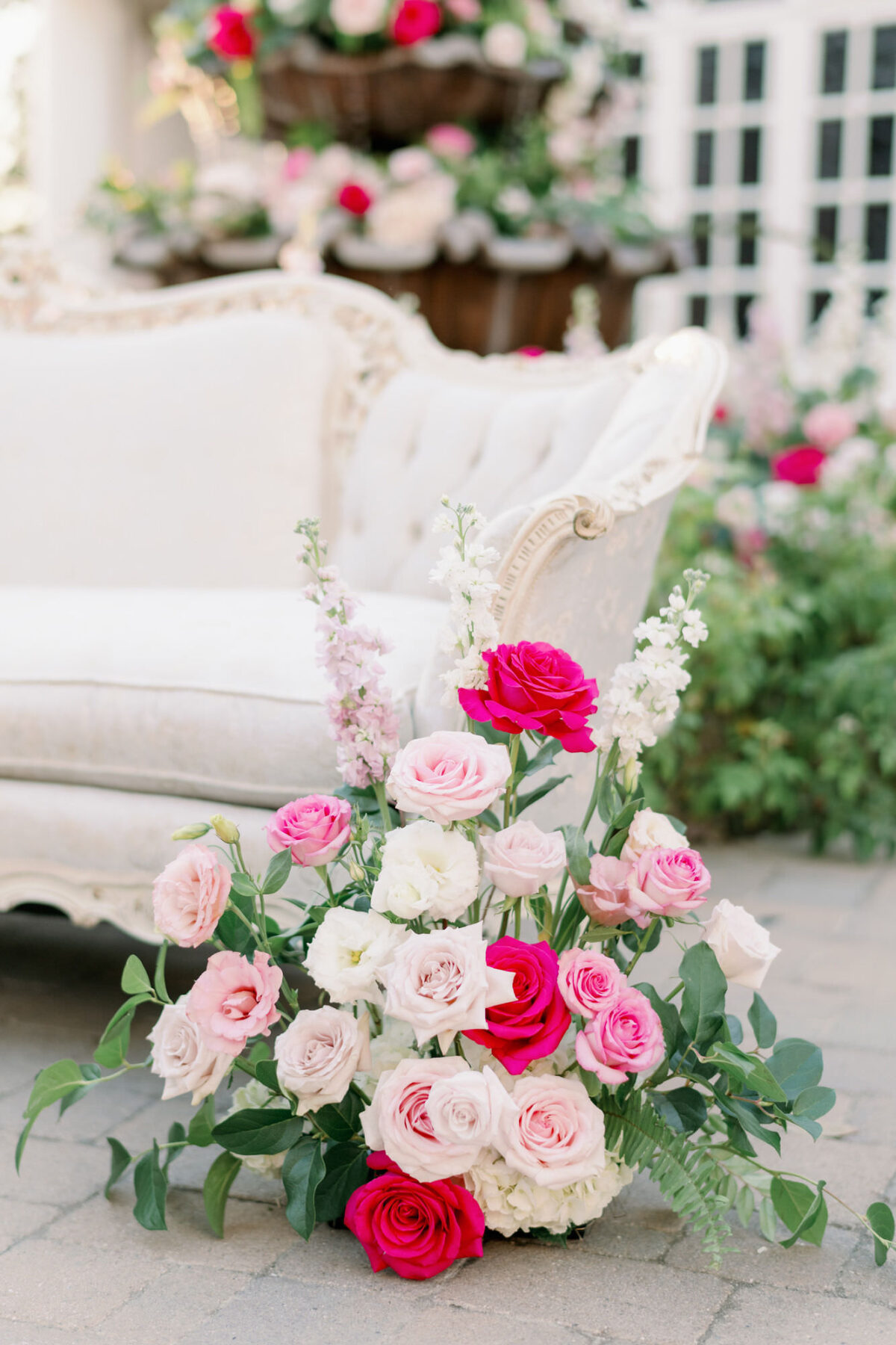Outdoor wedding floral decor - Peony Park Photography