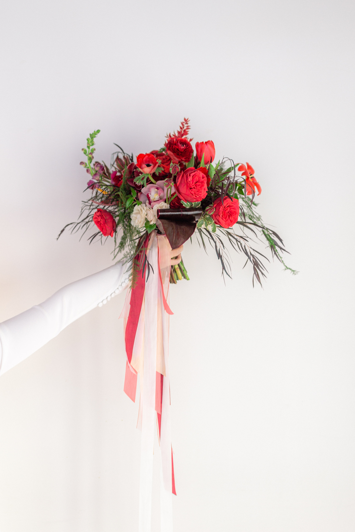 Red wedding bouquet - 5th Fine Art Photography