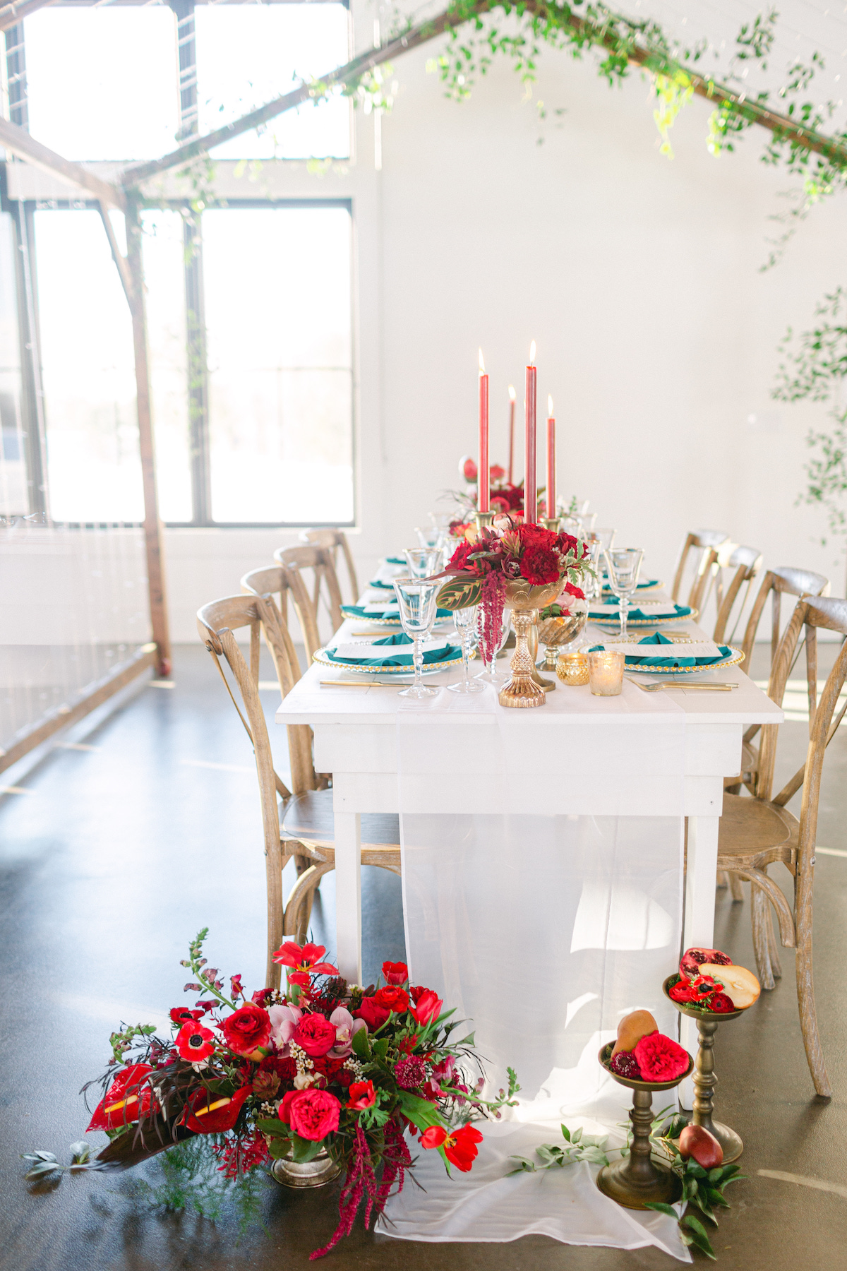 Winter wedding table colors - 5th Fine Art Photography