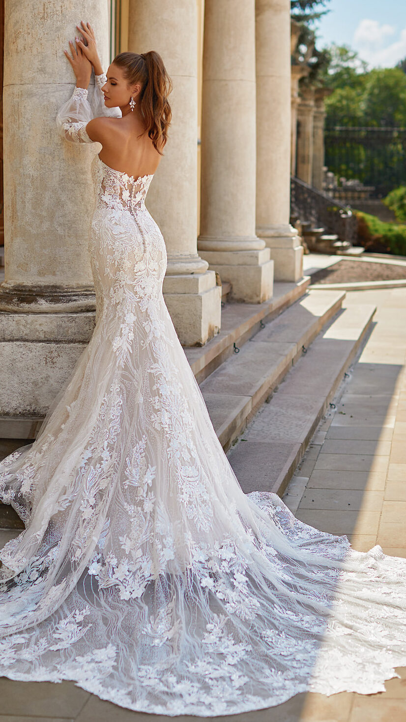 Designer Wedding Dresses by Moonlight Couture 2022 Bridal Collection - H1490