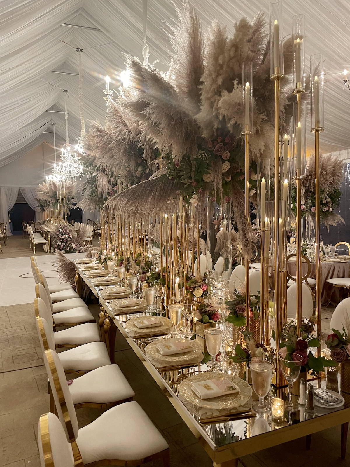Luxury wedding Tablescape with gold details - Flowers by Edgar